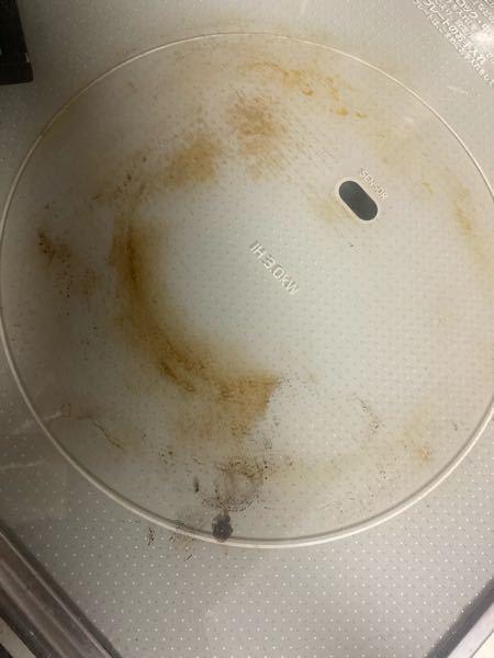 IHのこの汚れってどうすれば落ちますか? IHの専用ウェットシートなどでは無理でした。 汚れの原因は焦げ?か燻製をするのでその色かなと思っています。