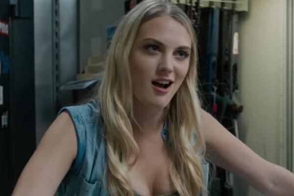 デスウィッシュというブルースウィルス主演の映画に出てくるガンショップの店員さん役の女の人の名前をご存知の方教えてください!