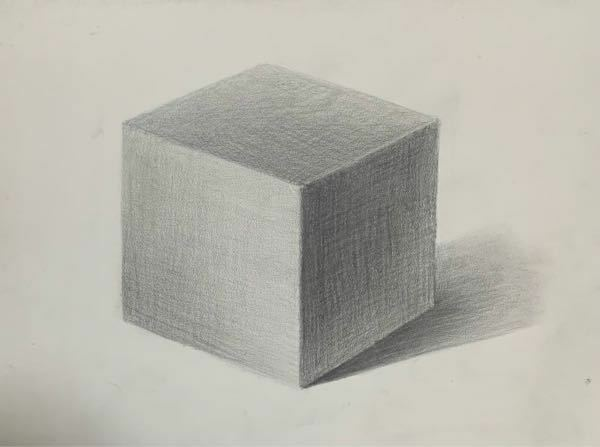 授業で立方体を描きました。 実物は無い状態で描きました。 アドバイス頂きたいです。 よろしくお願いしますm(_ _)m