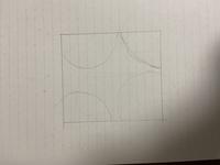 Illustrator 下のようにIllustratorで枠から丸がはみ出してるような感じにしたいのですがどのようにマスクをかければ良いのでしょうか。やり方を教えて頂きたいです。