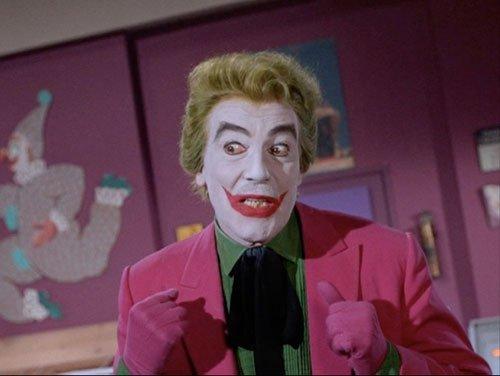 ジョーカーってドラマ版・アニメ版・映画版でも 何種類かいると思いますがどのジョーカーが一番好きですか? 個人的にはアップをしました シーザー・ロメロ演じるこのジョーカーが一番それらしくて 個人的には好きです。