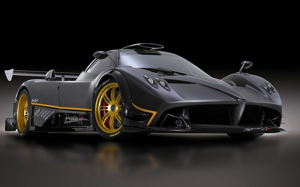 これはなんて車でしょうか?フェラーリ?