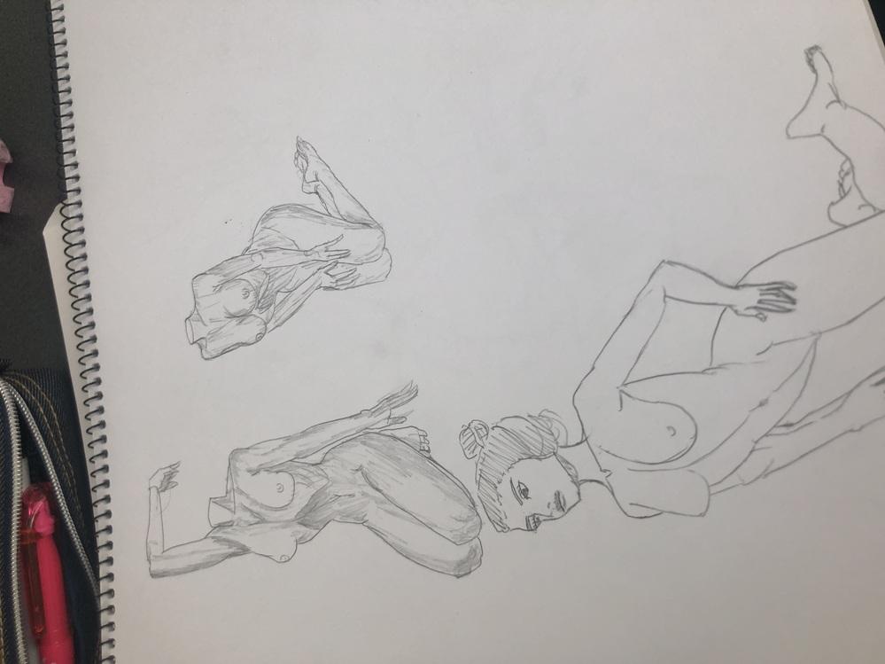 高校三年生から絵を描き始めて、資料を毎日欠かさず考えながら模写をし、今(美術系ではない)大学の一年生です。 大学に行きバイトをしながら絵の練習を現在はしていますが、これからバイトのお金で美術教室に通うつもりです。そこで,アニメーターの方に質問です。今の絵でアニメーターになれるか,絵がある程度上手くなったら大学を中退してアニメーターになるかそれから、四年間絵を描き続けてアニメーターになるかどれが一番アニメーターになれますか?ちなみに絵は見ないで学んだことを活かして描いてみたものです。筋肉の構造は大体理解しています。