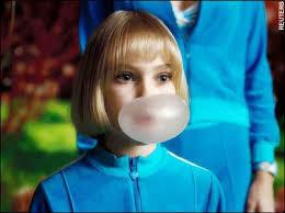 こんな感じで 風船ガムを膨らませられる方いますか? 自分は一度もないです。