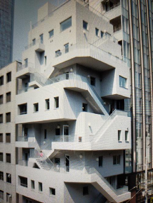 この建築物は何と言う建物ですか?