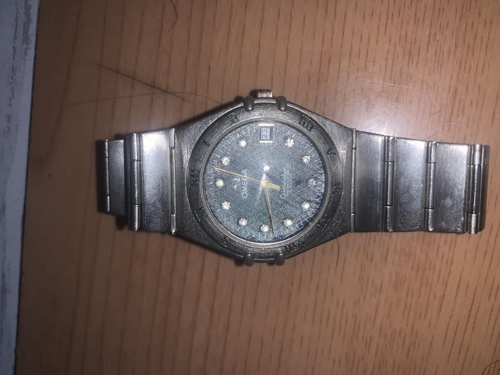 頂き物なのですがこの時計の詳細と 価値わかる方 教えていただきたいです。