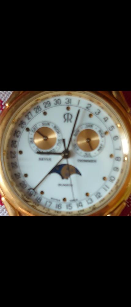スイス時計に詳しいかた教えてください。親の形見のスイス時計なのですが、電池がなくなり今は動いておりません。 上部真ん中のマークを頼りに検索等しましたがメーカーがわからず…どこのメーカーなのか知り電池交換したいです。よろしくお願いします。