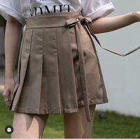 骨格ストレートです。 このスカートは骨ストが来ても着太りしませんか? 通販で試着ができないため、教えてください!!