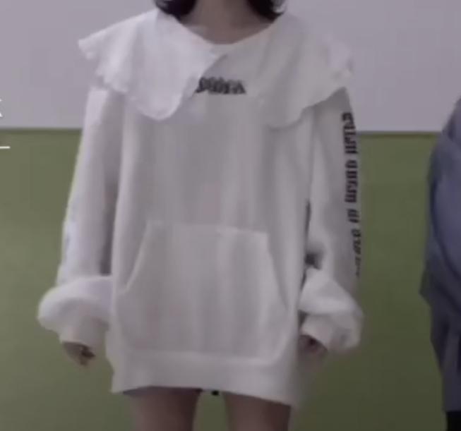 この服どこのかわかる人いませんか?画像検索しても出てこなくて、、、