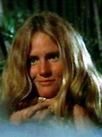 「ジョーズ」の最初の犠牲者で、おまけに若い女性が素っ裸で海に飛び込むと言う見せ場演じる割には、女優さんが微妙すぎると思いませんか?