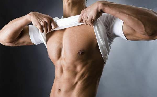写真のような胸筋を作るためには上部を鍛えたらいいですか?それとも下部ですか?