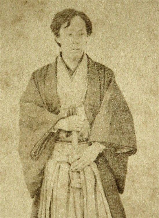 桑名藩主だった松平定敬(写真)の趣味が英会話、オルガン、乗馬などと多彩なのはなぜなのでしょうか。教えてください。お願いします。