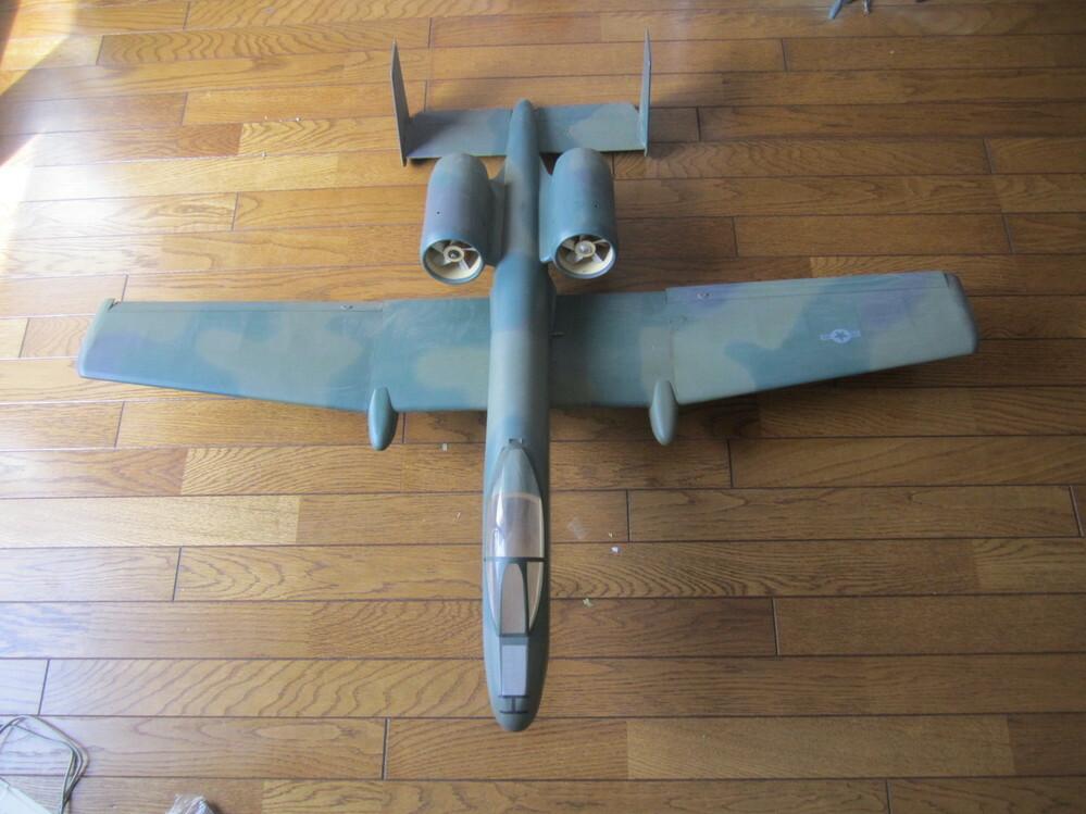 こちらの飛行機もA10サンダーボルトllなのでしょうか。お知らせいただければと思います。よろしくお願いします。