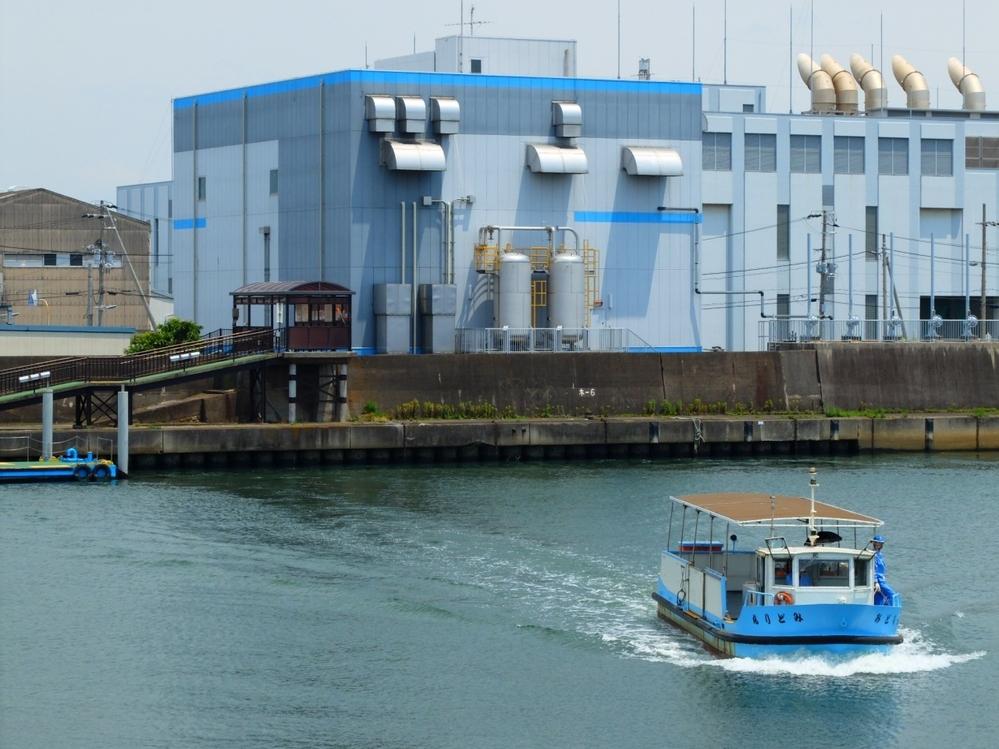 大阪の渡船はカーフェリーの自転車を運ぶバージョンといえるでしょうか?