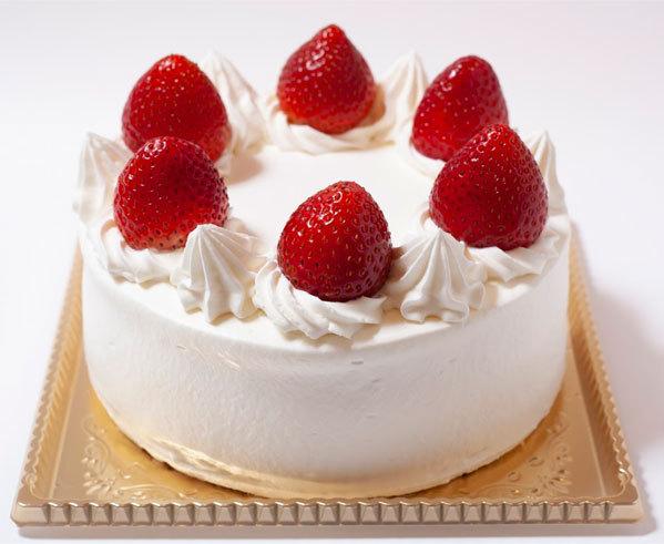 こんにちは 女性の方に質問です!! 皆さんは ホールケーキをひとりで 一度に食べたことはありますか??