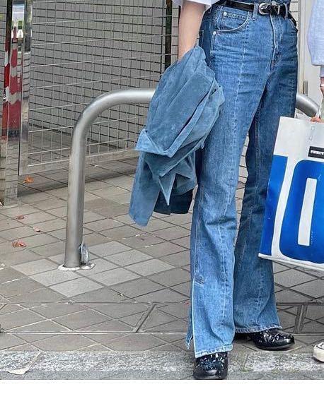 こんな感じのパンツ探してるんですけど、なんて言うパンツですか?それとどこで買えますか?