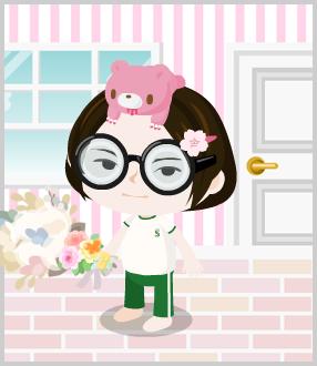 松村りりこってヤフー知恵袋で一番人気な割には、薔薇の花束や六石北美みたいにセンターにたてませんよね?これは積極性にかけるからですか?