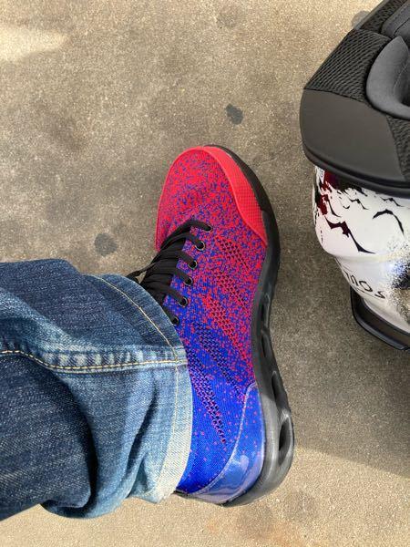 バイク教習で安全靴を使ってるんですが どうもギアチェンが上手くいきません この靴のせいですか?問題ないですか?