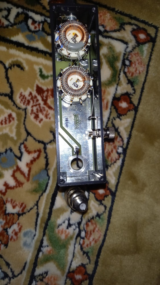 アマチュア無線ポータブル機FT817-ND用の小型アンテナwanderwand comboという物のM型コネクタが劣化してネジ切れて基盤との接続が千切れて使えなくなっ てしまったのですがレストア...