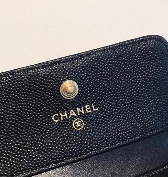 CHANELの財布なんですが、この写真から本物か偽物か見分けることってできますか?(;_;)