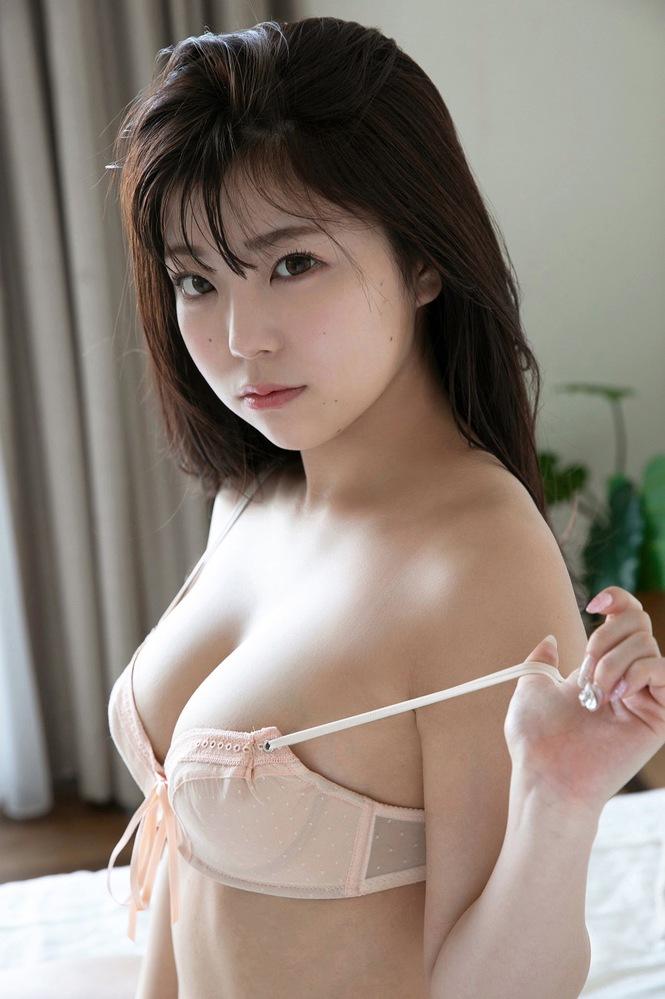 このモデルさんの名前分かりますか?