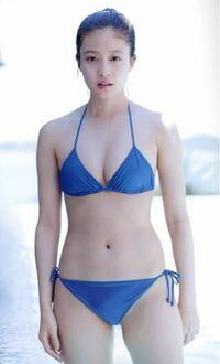 今田美桜って体格ゴツいですか? それともムチムチ体型?ふくよか?細い?