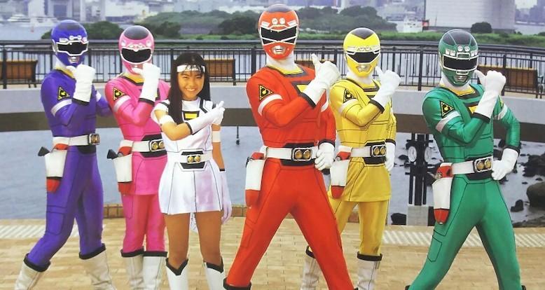 激走戦隊カーレンジャー第25話から登場したホワイトレーサー=ラジエッタ役は、濱松恵さんでしたが途中降板し須藤実咲さんに変わりました。 濱松恵さんの降板理由は、共演者だったイエローレーサー役本橋由香さんとピンクレーサー役来栖あつこさんからいじめにあっていたことらしいのですが そのあたりご存知の方ご教示ください。