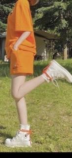 このテリちゃんが履いてるconverseはなんですか?