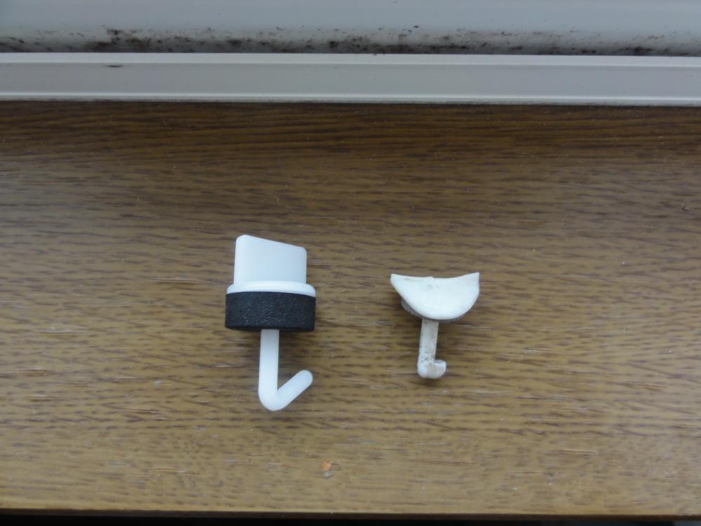 ポリカーボネート波板 フック よろしくお願いいたします。 車庫のポリカーボネートの波板に穴が開いたので、 自前で交換することになりました。 波板を抑えるフックの爪が短い製品が必要ですが、 こ...