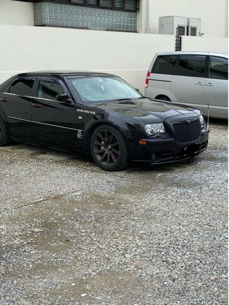 これなんて車ですか?