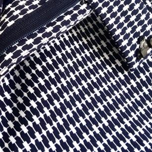 模様の名称(種類)を教えてください。 ズボンの生地です 変わった柄なので、知りたいです よろしくお願いします。