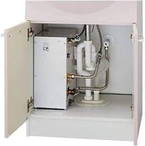 ToTo温水器 中古で配管部品が無い状態です。 1.ToTo温水器、RE12SXを壁の止水栓と繋げたい場合どのような材料でつなげますか? 2.また温水器と混水栓のホースを繋げる場合どのような材料でつなげますか?