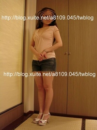台湾の温泉旅館で畳部屋の和室の客室でハイヒールで立っている様子を現地ブログで見ましたが、台湾は畳も土足で上がるんですか? 台湾全土の高級ホテルのレビューブログがこちら https://blog.xuite.net/a8109.045/twblog/300530025 https://blog.xuite.net/a8109.045/twblog/300529610 https://blog....