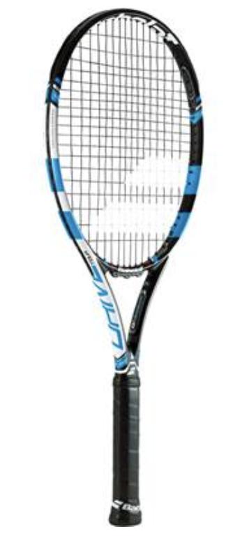 お伺いします。 中古ラケットを購入しました。 2015 バボラ ピュアドライブ4 1/4 というモデルについて詳細を教えて下さい。 当方、58歳男性、体育会テニス経験者です。ブランクありです。 2021年の最新モデルを購入予定でしたが、経験者知人より2015年モデルを薦められました。 この2つのモデルは何が変化したのでしょうか?知人はまずは2015年モデルを使用してからの方が良いとだけアドバイスをしてくれています。