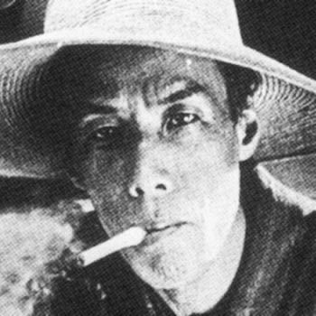 この写真で芥川龍之介が吸っているタバコの銘柄はなんですか?