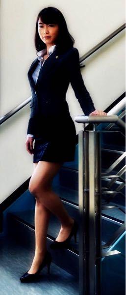 男性に質問。 このビジネススーツを着ている女優・朝倉あきさんがセクシーだと思いますか?