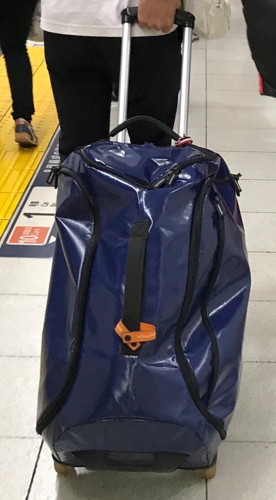 このキャリーバッグを探しています。 凄くいいのですがメーカーとか全く分かりません。