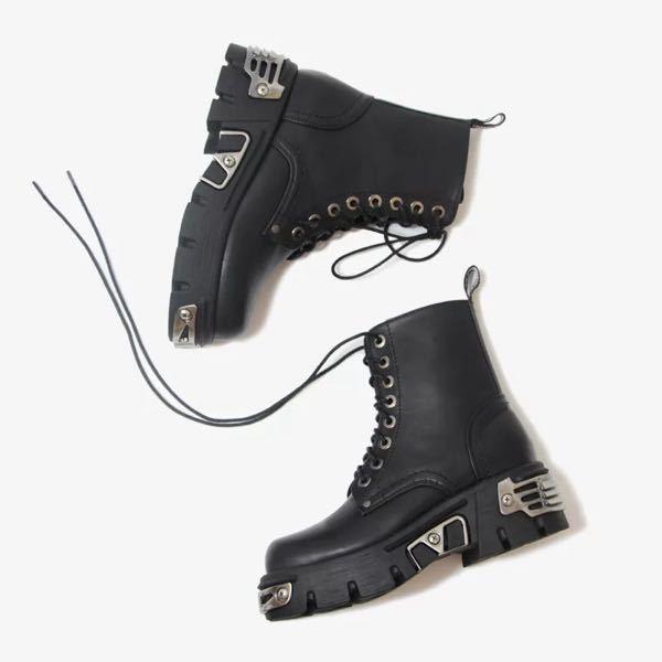 このブーツはどこのブランドのものがわかりますか? 似たような物を扱っているブランドでも構いません。