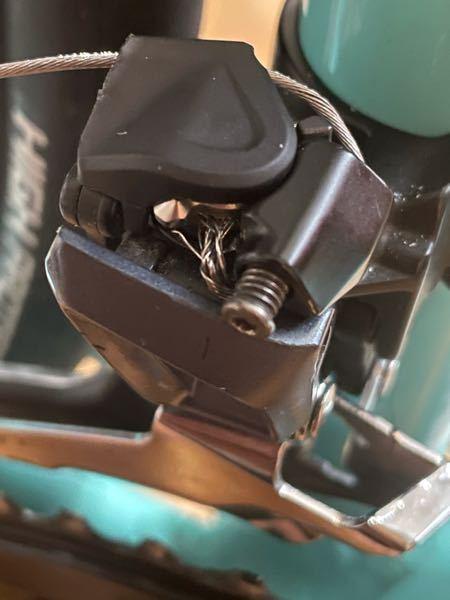 フロントディレイラーのワイヤーがほつれたまま使っているのはダメですか?新品がほつれてしまってもったいないです。