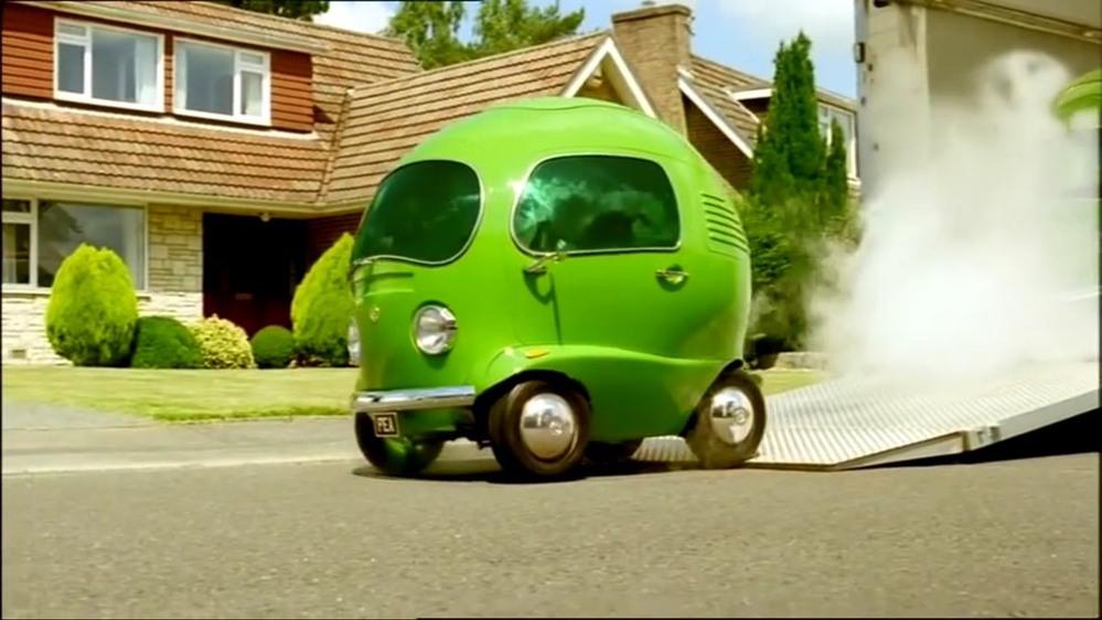 この車が欲しいのですが実際に売っているのでしょうか??映画用の車でしょうか??知っている方いましたら教えていただきたいです。