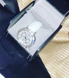 この時計どこのブランドのものか分かりますか?