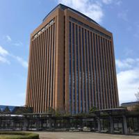 石川県って田舎だと思ってましたが、なんであんなに県庁がデカいのですか?