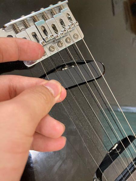 エレキギターの1弦が外れました。これ戻せますか? 切れてはいません