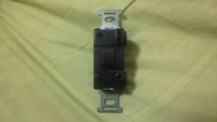 このスイッチは片切スイッチですか?
