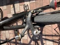 ブレーキレバーを交換しようと思うのですが、これはキャリパーブレーキで合っていますか? クロスバイクなのですが、多いと言われているVブレーキではない気がしたので質問いたしました。