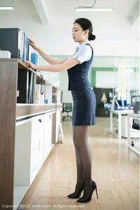 こんなピンヒール履いたOLおらんやろ?ですか? またオフィスのドレスコード的にもナシでしょうか?