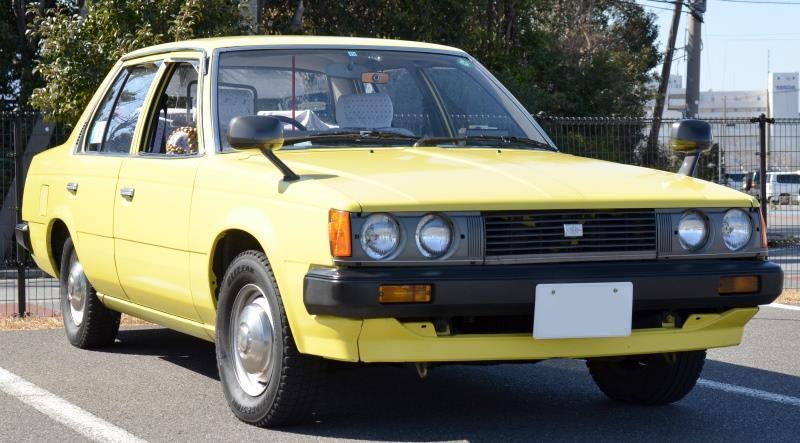 トヨタコ□ナのタクシー仕様車はオリジナルと何処が違うのですか?