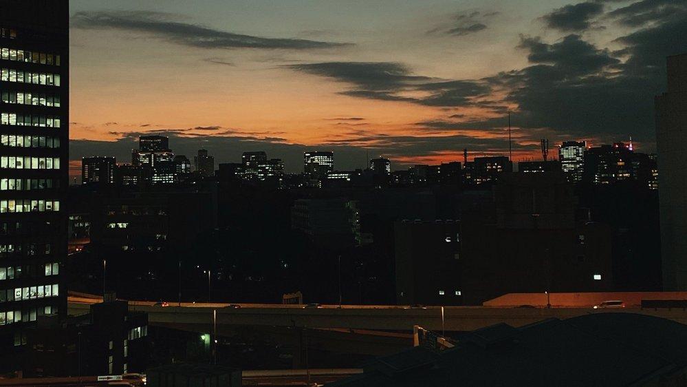 これはどこからの景色でしょうか。 おそらく東京、御茶ノ水から秋葉原付近だと思います。