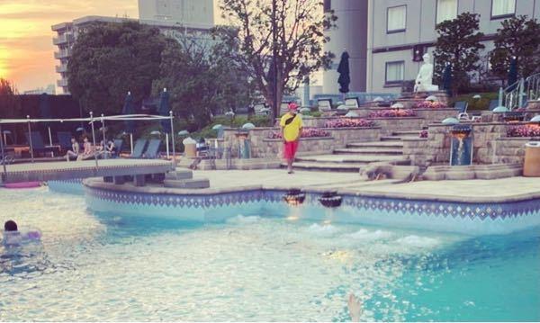 ここどこのホテルのプールか分かる方教えていただけませんか?
