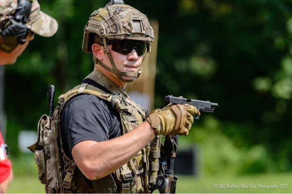 レンジャー連隊のヘルメットカバーの製品名について教えて下さい。(Ranger helmet coverなどで)いくら調べてもでてきません。